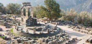 delphi private tours