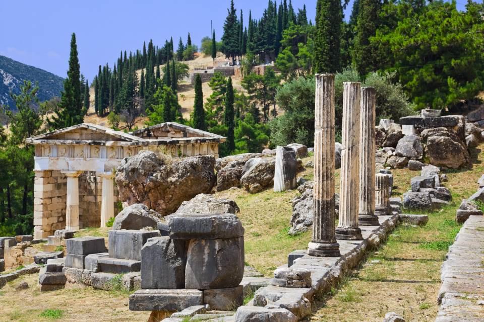 Delphi and Meteora 3 days tour